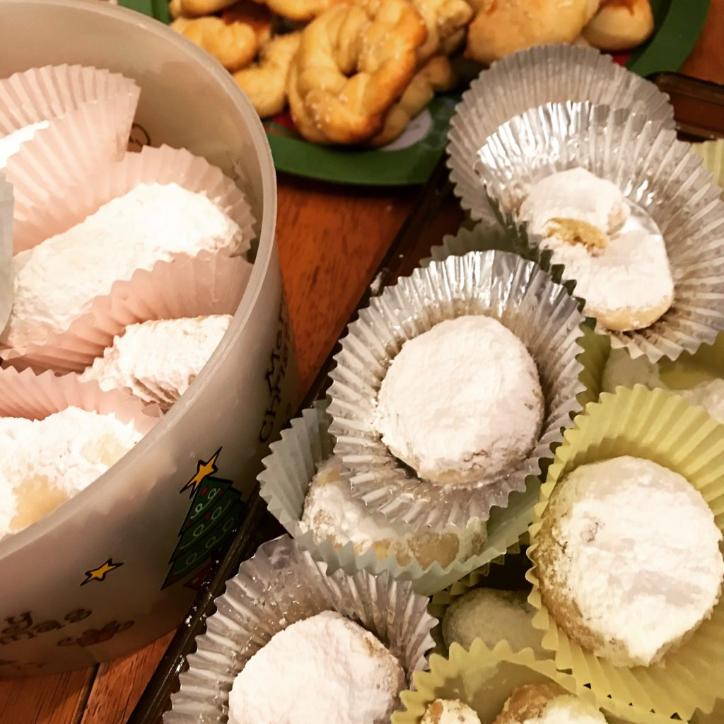 Greek Chrismtas Cookies - Kourambiedes